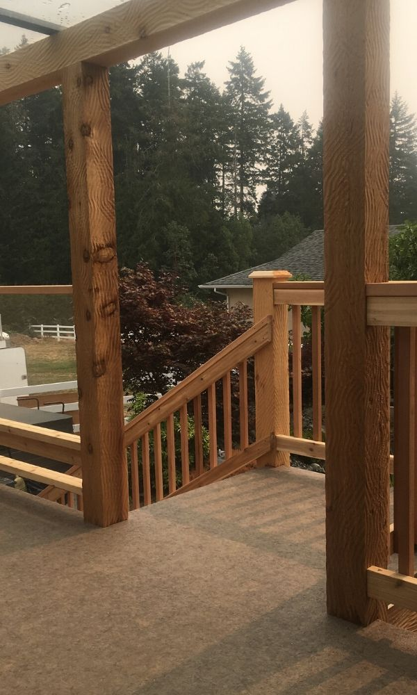 Entrance to the stairs with Deck building